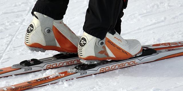 Skiurlaub Packliste - Skiausrüstung und Zubehör